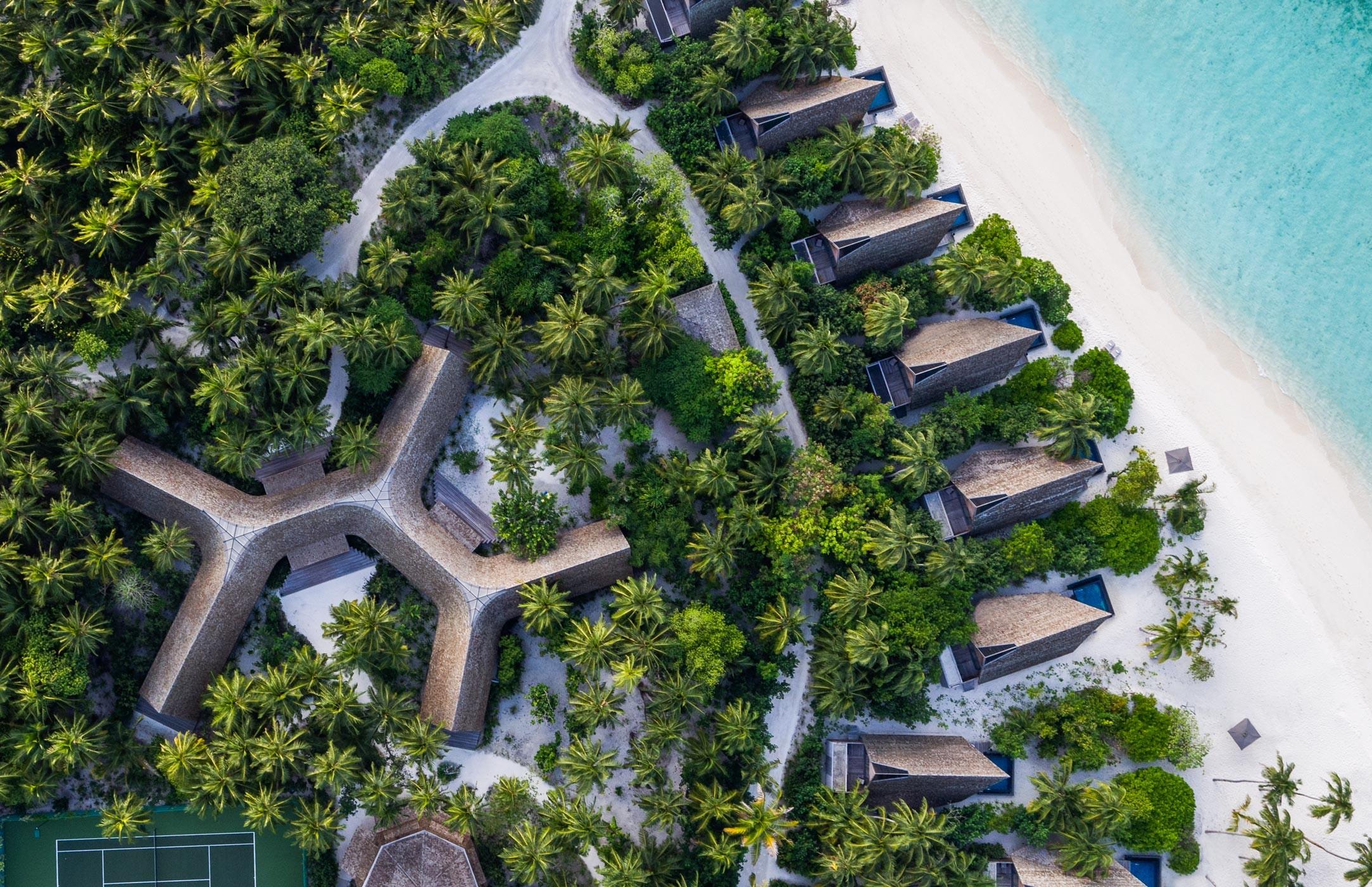 str4315ex-212704-Vommuli-House-and-Beach-Villas—Aerial-High
