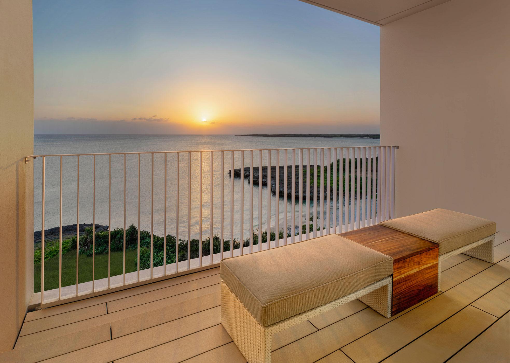 LUX_OKALC_Upper_Ocean_View_Terrace_Sunsent