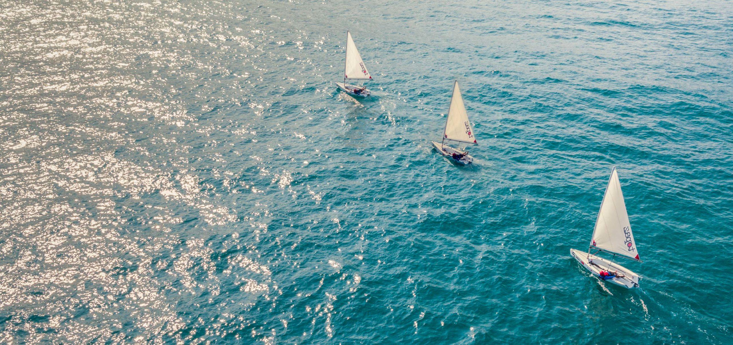 Sailing-Boat-03