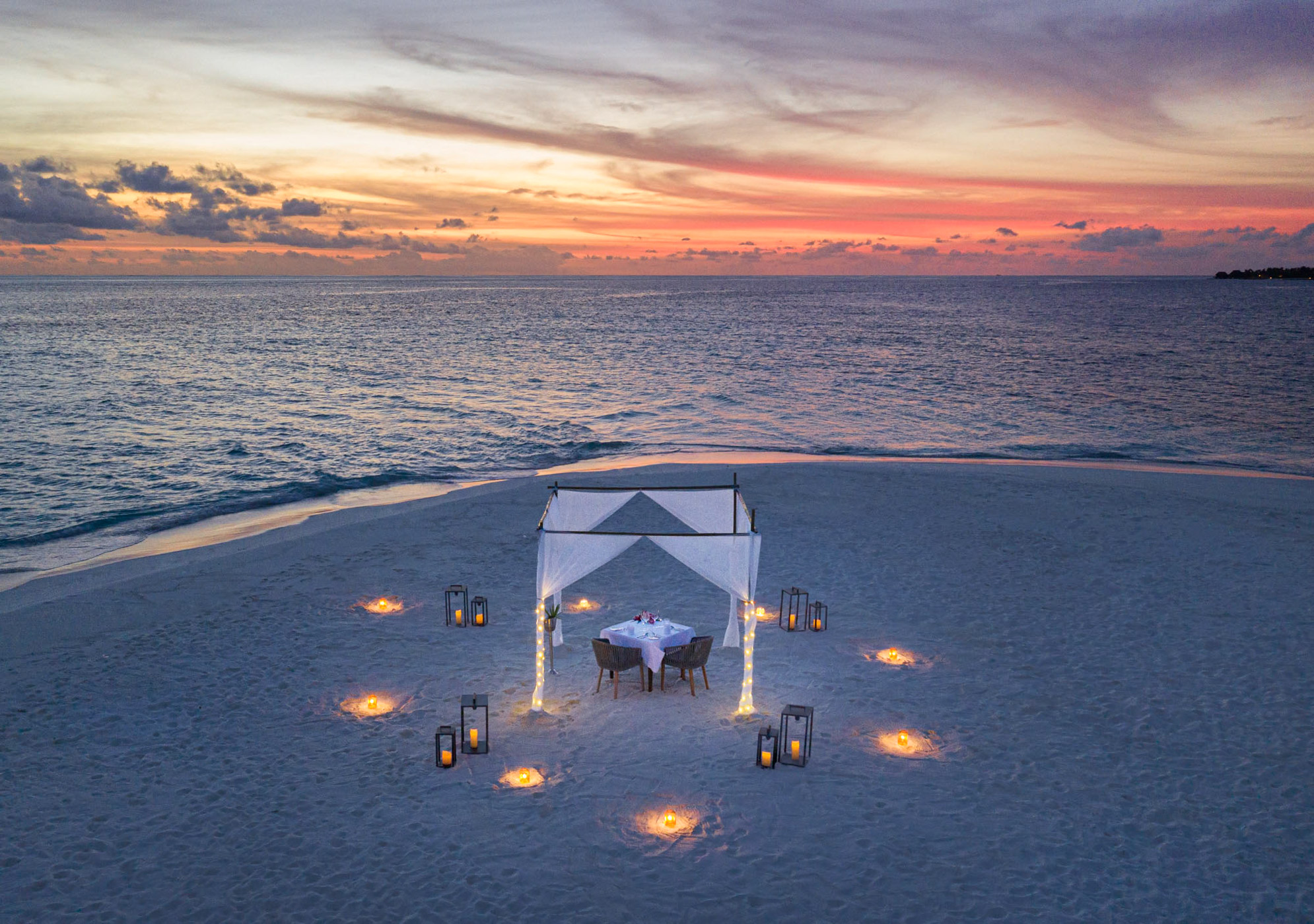 Sand_Bank_Dining_Table