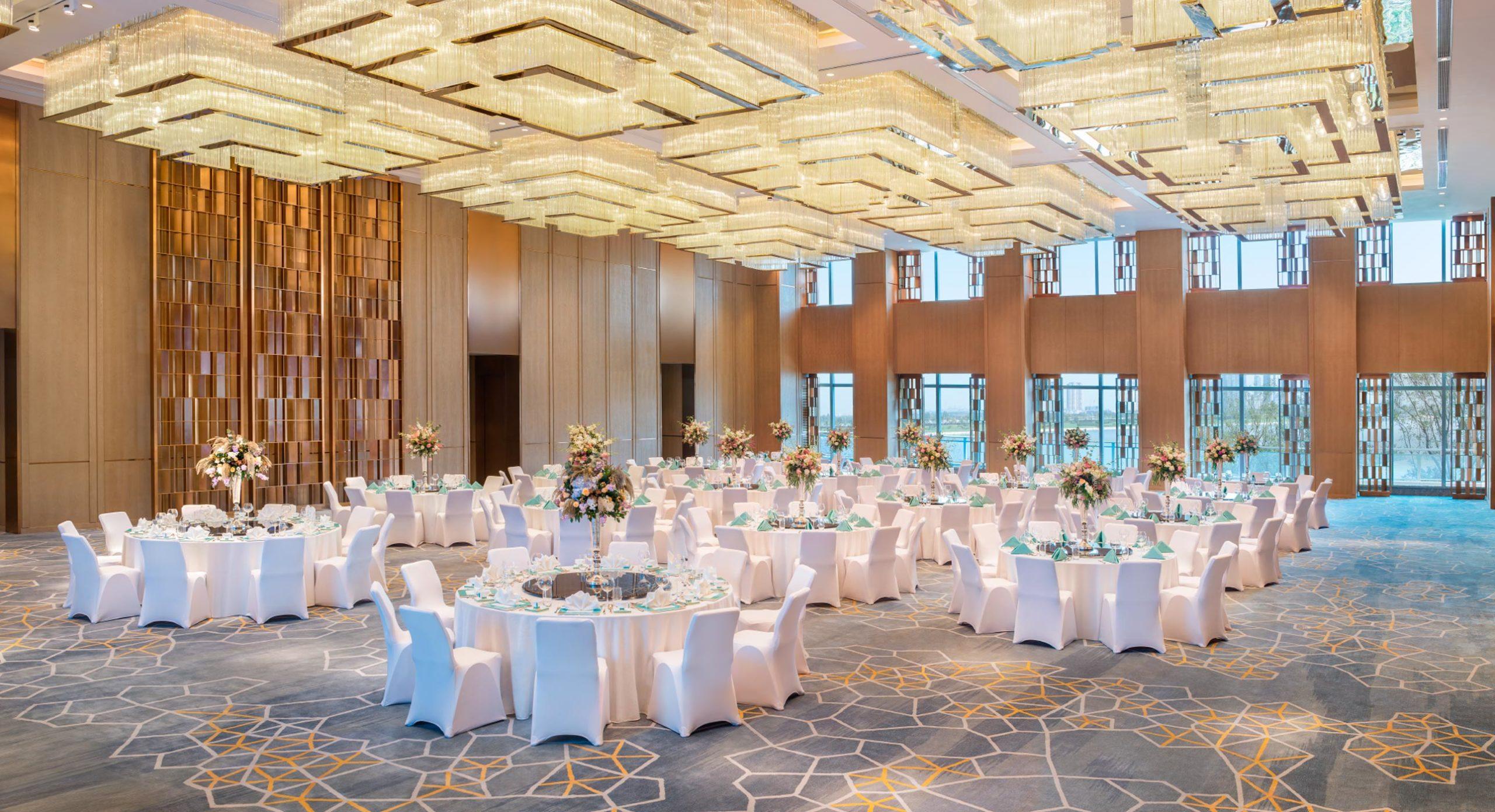 MER_XIYMD_Ballroom_Wedding_02