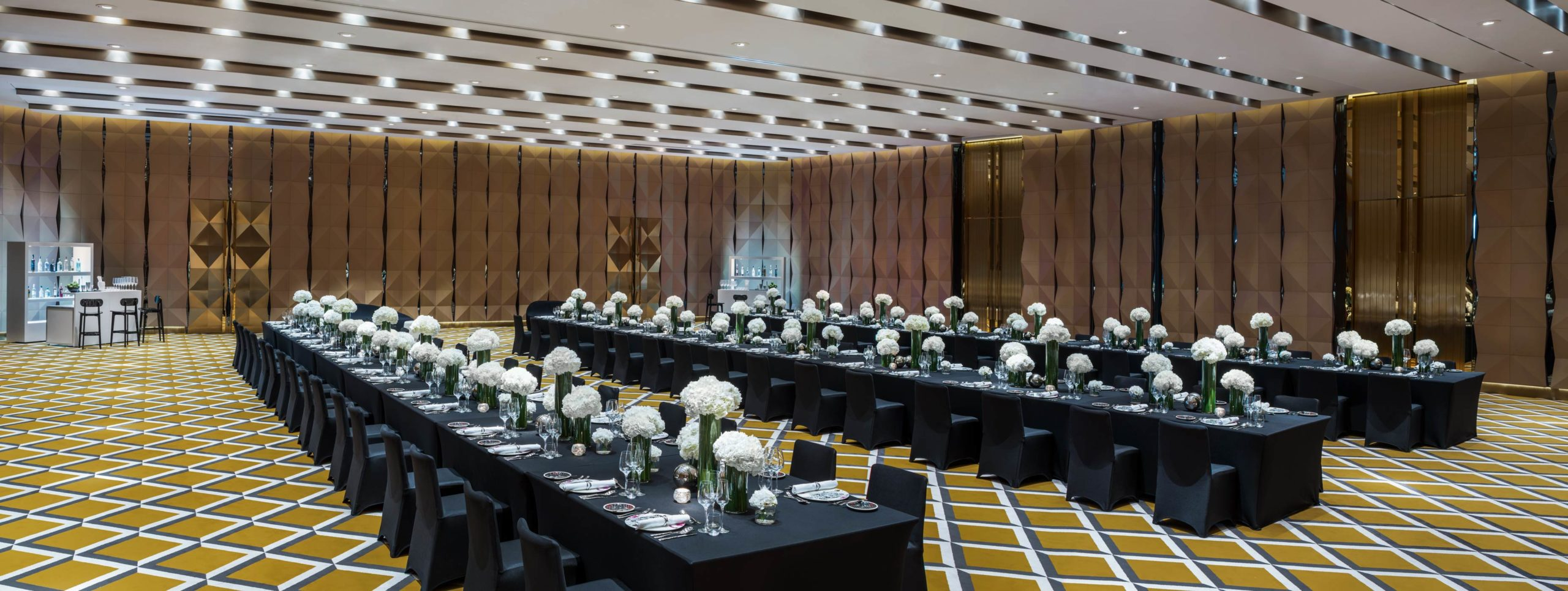 Mega-Meeting-LongTable_25-Aug